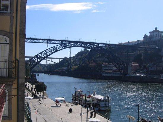 Pestana Vintage Porto: Vista desde la habitación: Puente Eiffel sobre el Duero