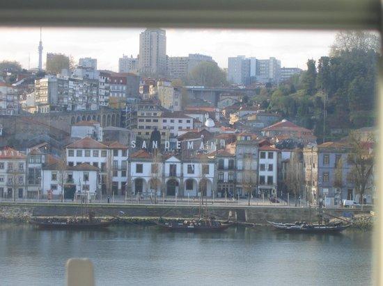 Pestana Vintage Porto: Vista de las bodegas desde la habitación