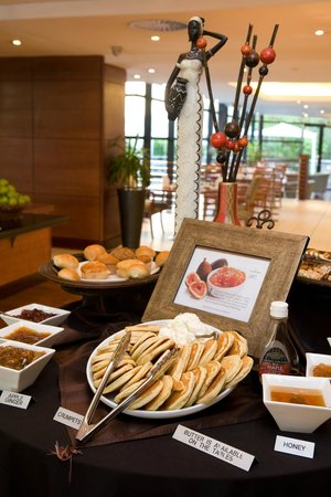 City Lodge Hotel Johannesburg Airport - Barbara Road: Breakfast