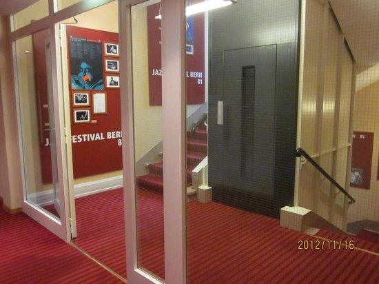 Hotel Savoy Bern: Lift