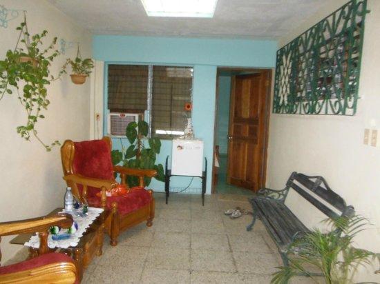 Hostal La Verde : Entrée privée de la chambre