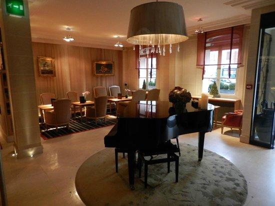 Hotel de Banville: Hotel Lobby