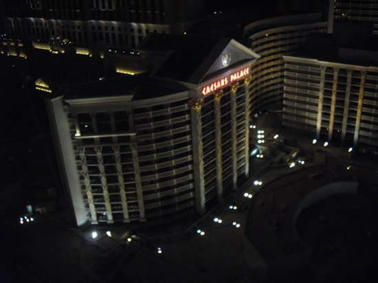 Caesars Palace: Overlooking the hotel
