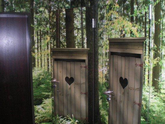 Ringhotel Munte am Stadtwald: Herrentoilette in der Nähe der Hotelbar/Stark gemacht