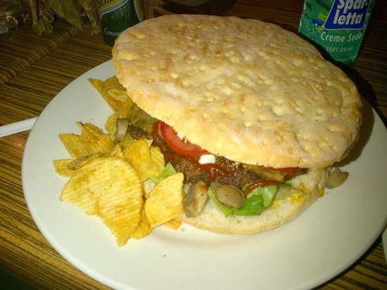 Il Paninaro: the ginormous burger