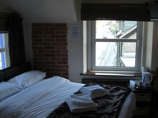 Babbling Brook Guesthouse: Double en-suite (room 6)