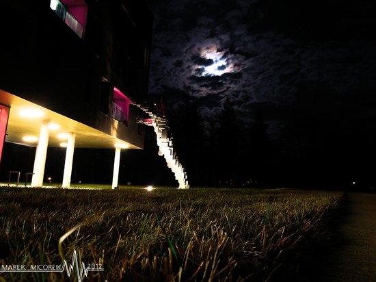 Miura Hotel: Cube man with Miura and Moon