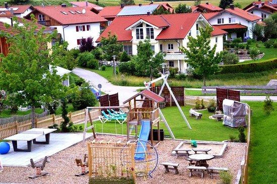 Landhaus Ohnesorg: Spielplatz, Grillplatz,