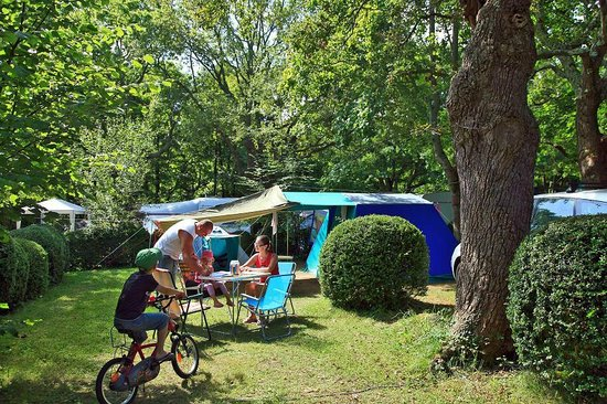 Camping Sunêlia Col d'Ibardin : Camping col d'Ibardin, location d'emplacement