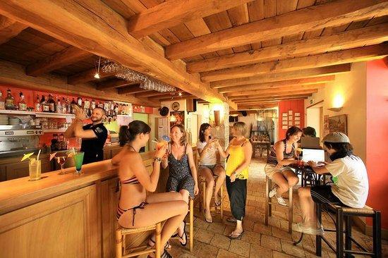 Camping Sunêlia Col d'Ibardin : Bar restaurant du camping col d'Ibardin à Urrugne