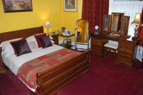 Creston Villa Guest House: The Priory Room