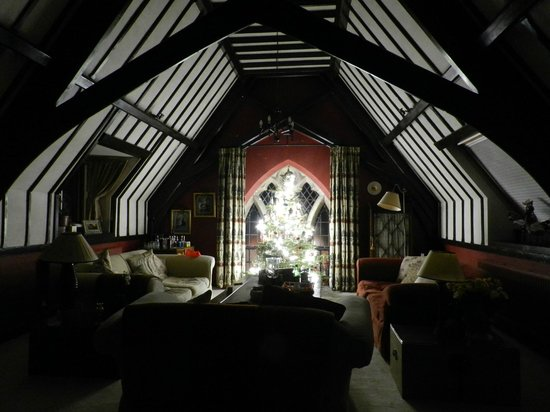 The Old School Bed and Breakfast: The upstairs sitting room decorated for Christmas