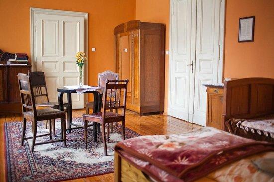 Hostel Mleczarnia : Room with the beautiful ceiling(quadraple ensuite)