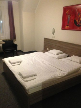 Paprika M1 Hotel : the room