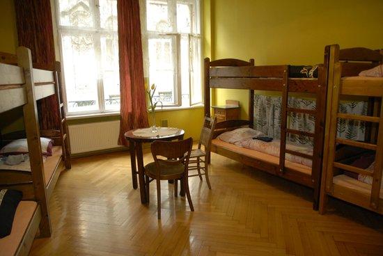 Hostel Mleczarnia : 8 persons dormitory (mixed)