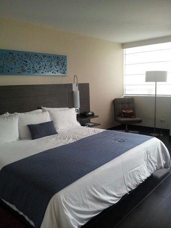 Hotel bh El Poblado: habitacion queen