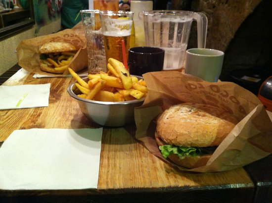 Poco Loco : Burger and Fries