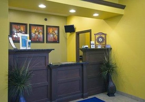 Red Lion Inn & Suites Byram Jackson South: Front Desk