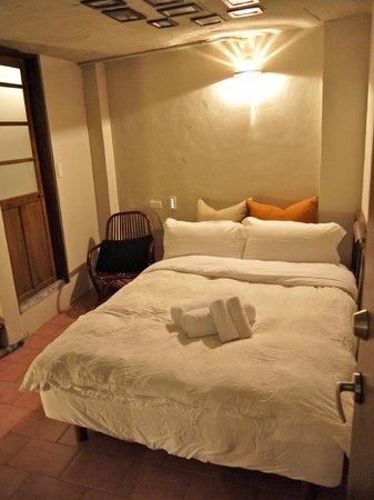 Solo Singer Inn: Triple room on the 3rd floor.