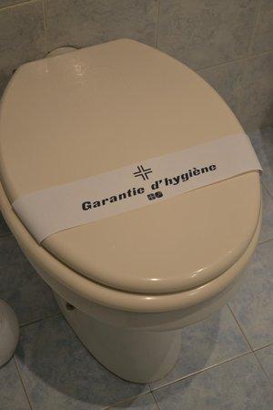 Hotel Napoleon: Trovare il bagno in questo modo è un vero piacere!!