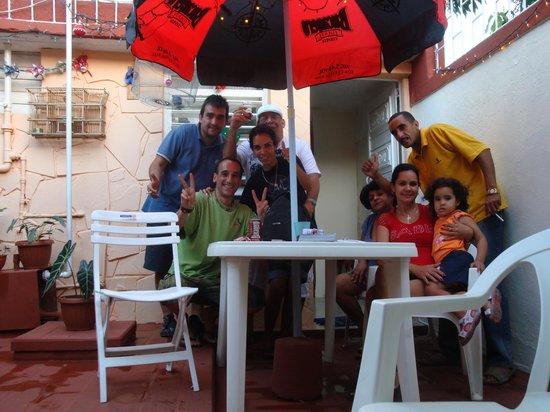 Casa Grillo: Jorge & Sheila con la familia y Eugenio & Sergio