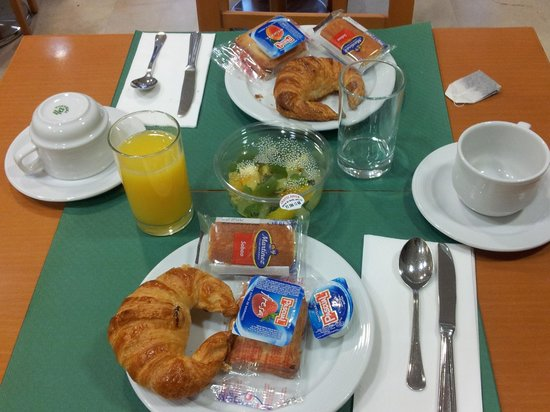 Hotel Marvi: breakfast