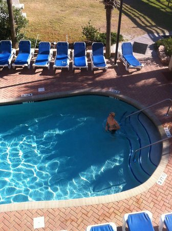 Monterey Bay Suites: Nice heated pools