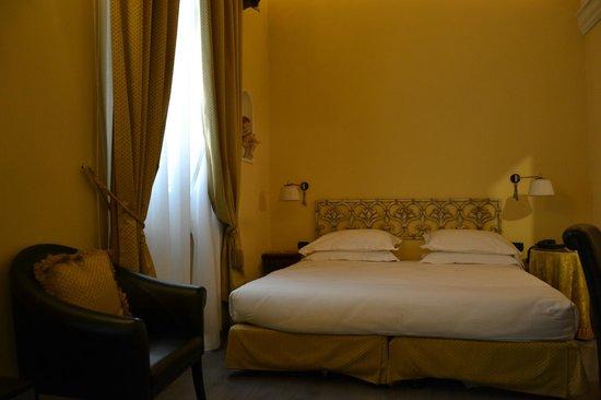 Hotel River: Stanza (letto matrimoniale)