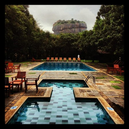 Hotel Sigiriya: Fantastic view from the pool area