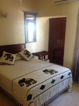 Hotel Amanda Hills: Side room