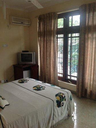Hotel Amanda Hills: Front room