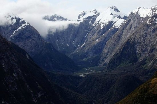 Milford Track: views on the way to the top of Mackinnon Pass