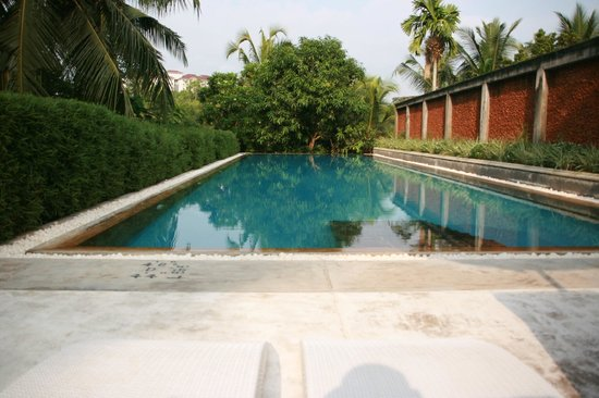 Tamarind Hill by Asia Leisure: Infinity pool