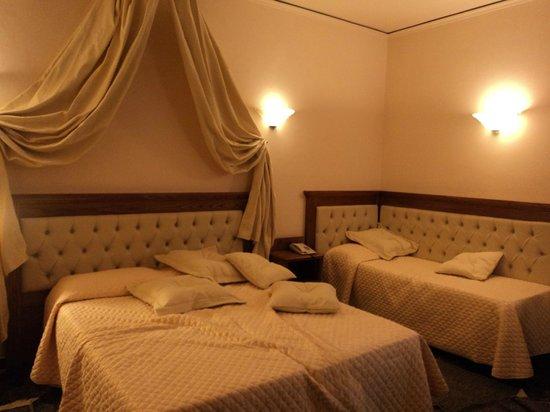 Hotel Le Due Fontane: room