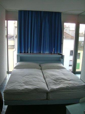 Hotel Cristal Design: Letto