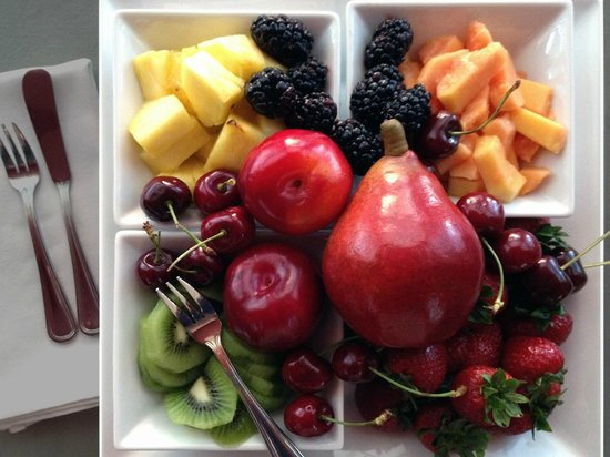 The Lancaster Bed and Breakfast : A Seasonal Fruit Tray