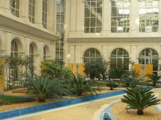Silken Al-Andalus Palace Hotel: patio de cristal