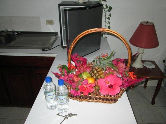 San San Tropez Villa-Hotel: Fruit basket