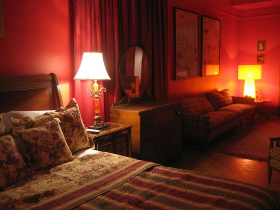 The Sofia Inn: The Parlor Suite
