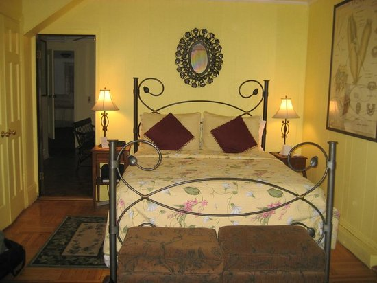 The Sofia Inn : The Garden Suite Bedroom