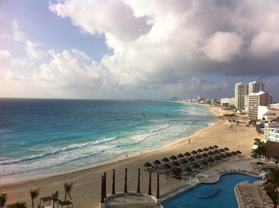 Krystal Cancun: Breakfast view