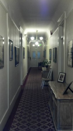 The Van Gilder Hotel: Main floor hallway