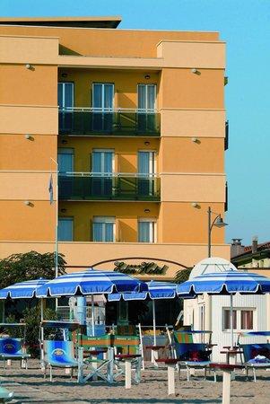 Hotel Eden : Hotel dal mare