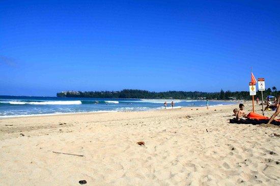 Hanalei Surfboard House: Hanalei beach other view