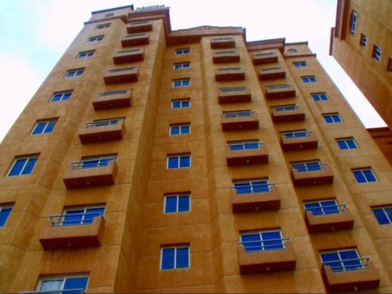 Arinza Tower Quality Suites: Exterior