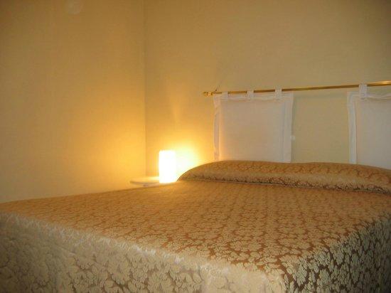 Residenza Villa Marignoli : Camera da letto appartamento Tripla
