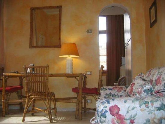 Residenza Villa Marignoli : Soggiorno appartamento Single/Double