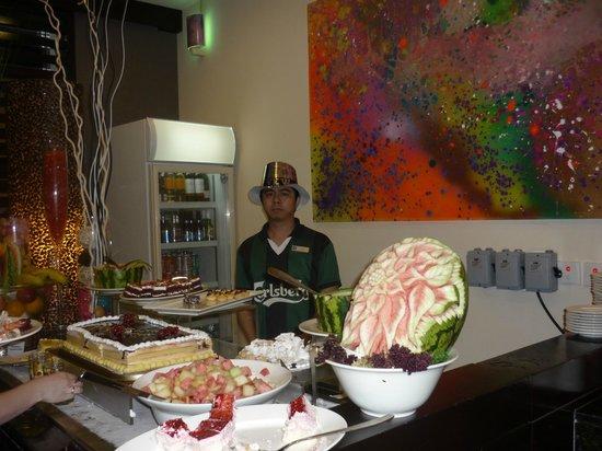 Citymax Hotels Bur Dubai: Завтраки хорошие, всё вкусно и разнообразно.