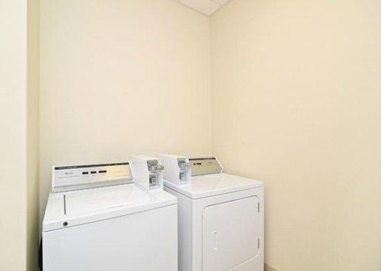 Comfort Suites Mount Juliet: Guest Laundry