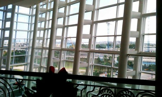 Adrienne Arsht Center for the Performing Arts of Miami-Dade County: Looking outside